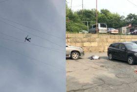 [VIDEO] Impacto por muerte de joven en Rusia que cayó desde una altura de 10 pisos